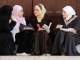 آیا زنان مسلمان باید فقط به دروس دینی اکتفا کنند؟